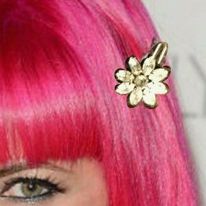 Vintage Accessories - Tarina Tarantino hair clips x2!