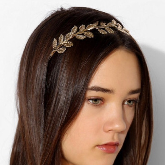 SILVER Urban Outfitters Metal Leaf Headband. M 55aefbe88ae9407b7b020e85 2adf11a3fc7