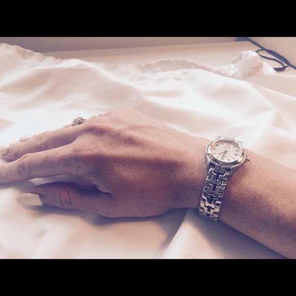 how to get rid of scratches off watch chain
