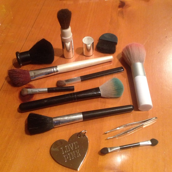 Accessories Used Makeup Brushes Poshmark
