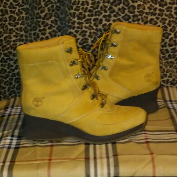 Woman timberland wedge heel boots. M 55a5e4f6b909cf7faf01bb84 210d5c33a7ad