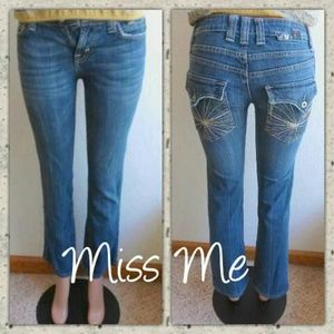 MISS ME EMBROIDERED JEANS