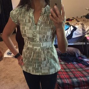 Banana republic top. XS. silk blend.