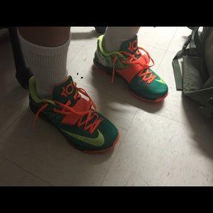 Nike Shoes - Kid 7 neon orange and green