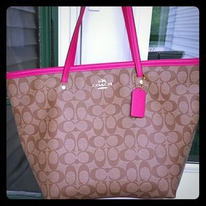 New Coach large signature tote