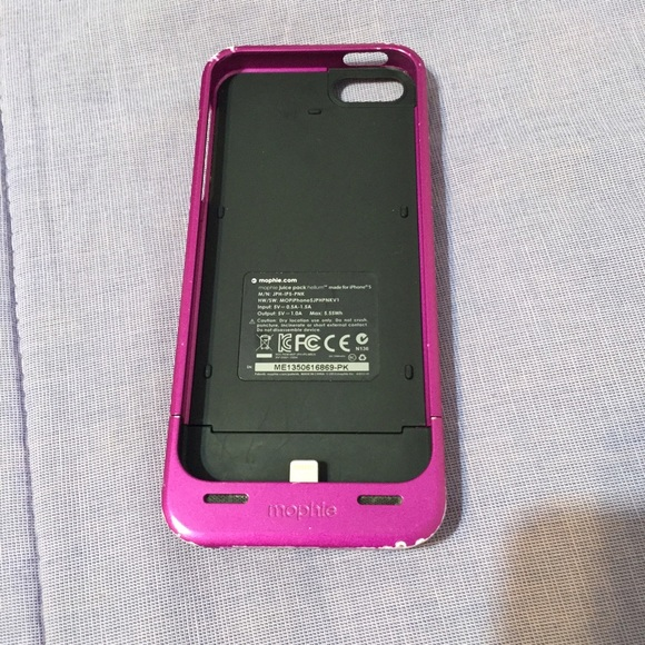the latest ad99f 0c8f1 Pink mophie iPhone 5/5s charging case