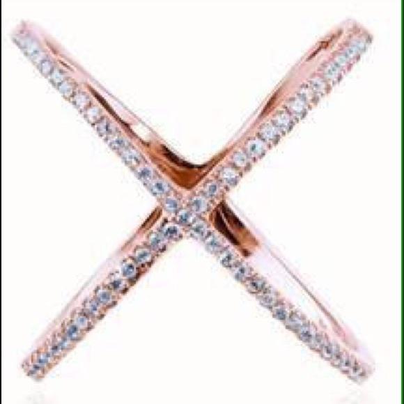 Steve Madden Criss Cross Ring