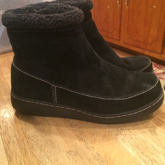 59 lands end shoes black suede bootie from