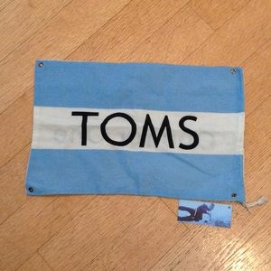 TOMS Other - TOMS dust cover bag