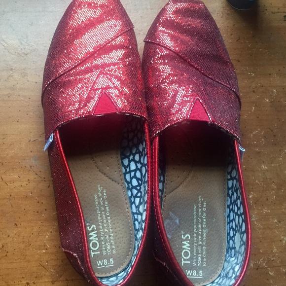 0b23c828231 Red Glitter Toms. Size 8.5 women s. M 55a6d4692ec0e15def01f30c