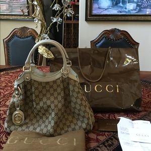 Women's Gucci Sukey Tote Medium on Poshmark