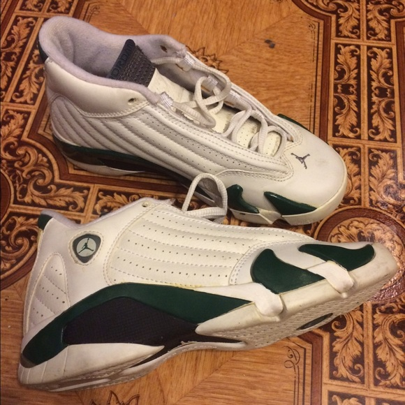reputable site 2a9bd 9cf55 Green and white Jordan 14s