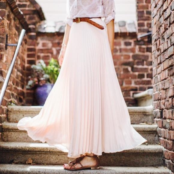 42% off LC Lauren Conrad Dresses & Skirts - White Pleated Maxi ...
