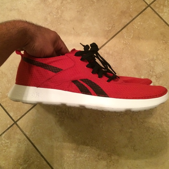 Reebok Shoes   New Mens Reebok Royal