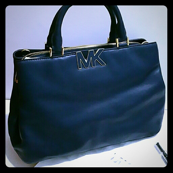 ed32c3cad6cc Michael Kors Bags | Large Florence Satchel In Navy Blue | Poshmark