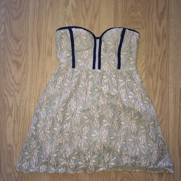 Pins and needles strapless lace dress