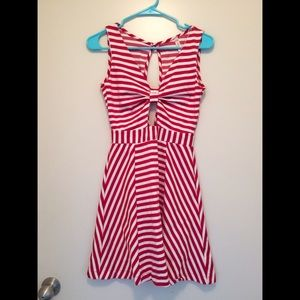 ❤️ Cute Red & White Striped Dress With Cut-Outs ❤️