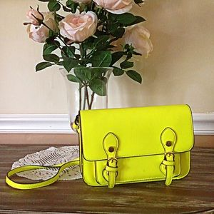 • Steve Madden Neon Yellow Cambridge Satchel •