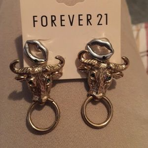 Accessories - Forever 21 earrings!