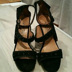 No. 704 b. Shoes - Black Suede Flatform Strappy Shoes