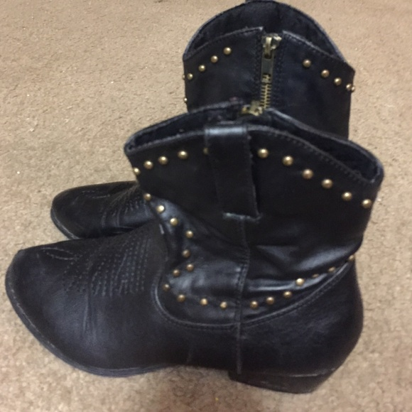 89 boots black and gold studded cowboy boots from