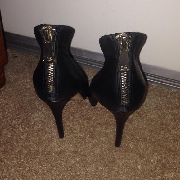 65 aldo shoes black and gold aldo pumps from