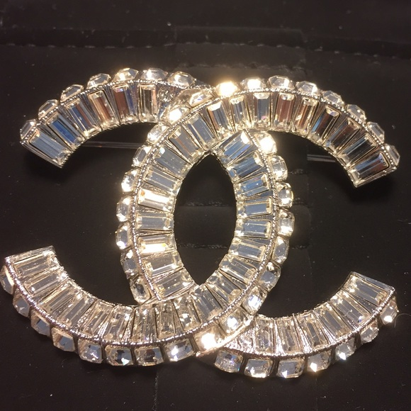 loading crystal brooch new chanel pearl brand out cc s gold image pin authentic sold is channel and itm