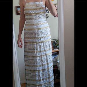 SUNO Dresses & Skirts - SUNO gold embroidery dress