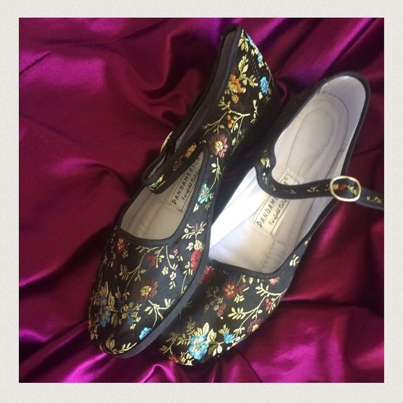 NWOT Floral Brocade Mary Janes