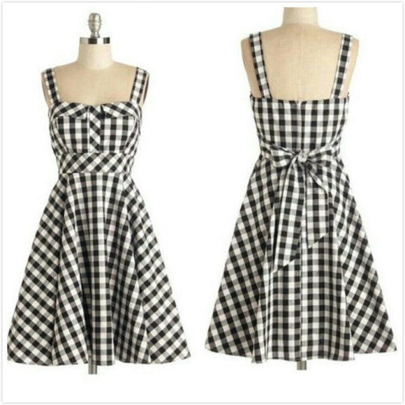 Black and White Retro Dresses