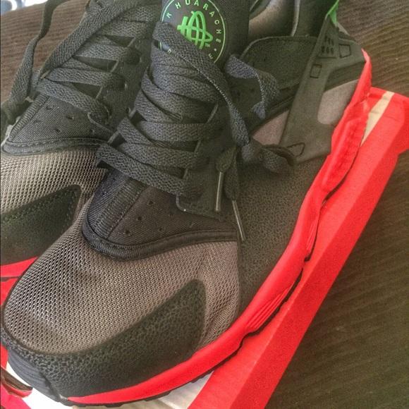 0f3c7089986973 Nike Huarache QS Black Hyper Punch Green