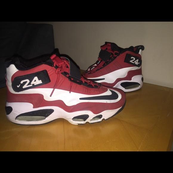 34216a877622 ... Ken Griffey Jr sneakers. M 55a9c57f35ade253fe0077f0