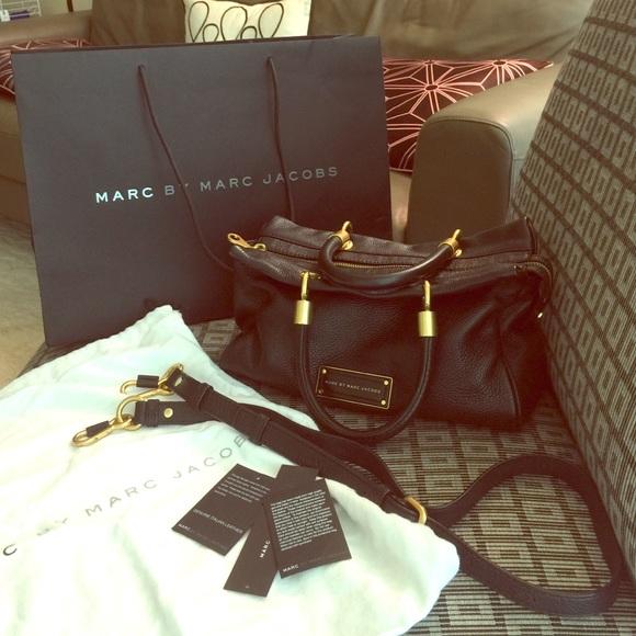 cd534e3dcd141 Marc Jacobs Too Hot to Handle Satchel Black. M 55aa811e4c5310722000987c