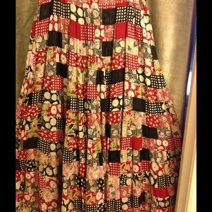 BILA Dresses & Skirts - Classic Colored Vintage Maxi Skirt