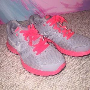 Nike Shoes - Nike Air Relentless 2 / Sz 9