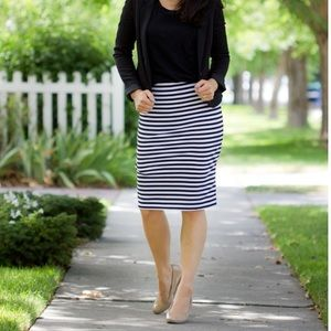 Old Navy Dresses & Skirts - Knit pencil skirt