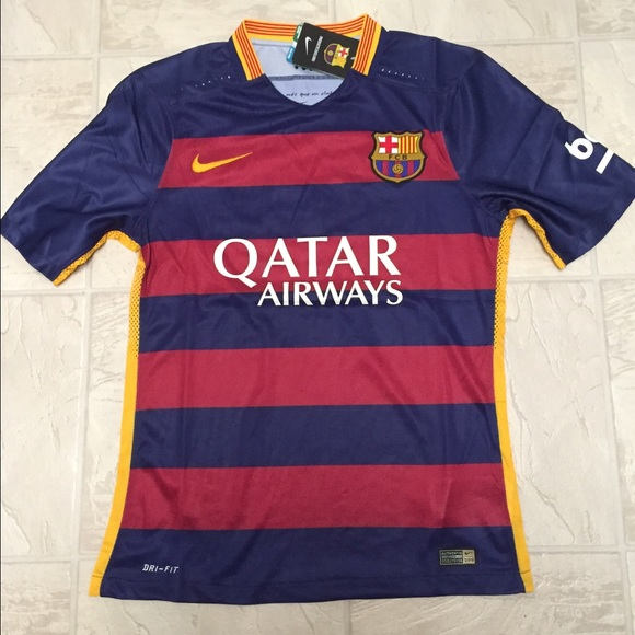 0fbf0c53acf0 15 16 Barcelona Home Messi jersey.See description
