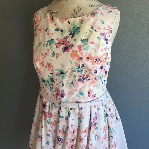 LC Lauren Conrad Dresses & Skirts - 🆕 Lauren Conrad NWT Floral Fit and Flare Dress