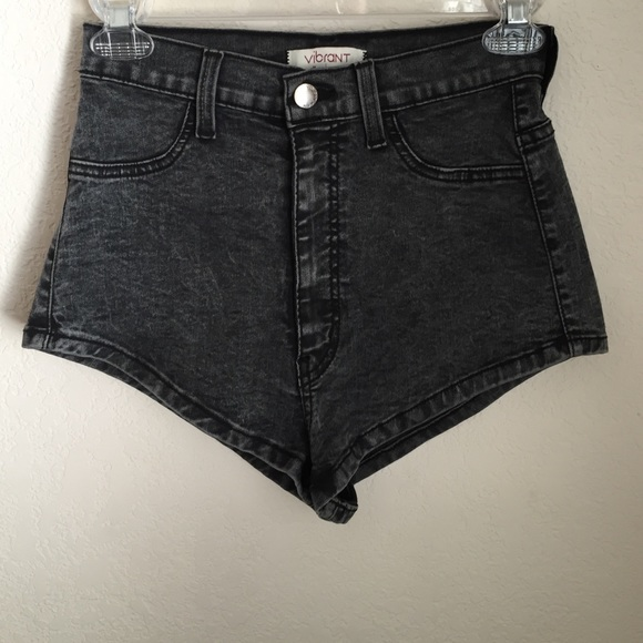 79% off Vibrant Pants - High waisted Grey shorts from the Brand ...