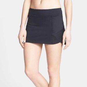 Zella Dresses & Skirts - NEW!  Zella 'Optic' skort in black