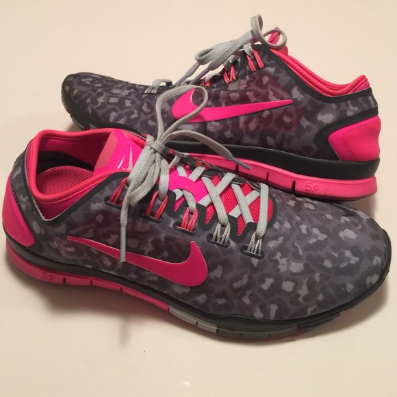 promo code a13f1 842cf RARE Nike Free TR Connect 2 Leopard Pink Sneakers.  M 55ab14a035ade253fe00d4b1