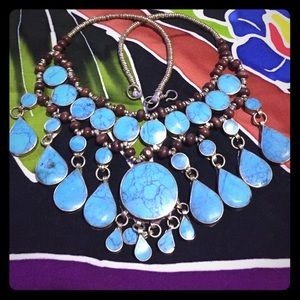 SALE ⭐️Turquoise statement necklace-beautiful