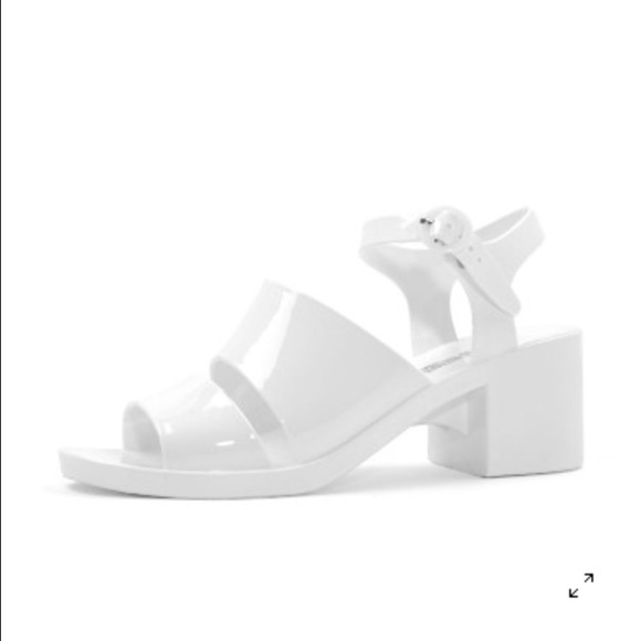 0abf3dd2a110 AA classic jelly heel in white