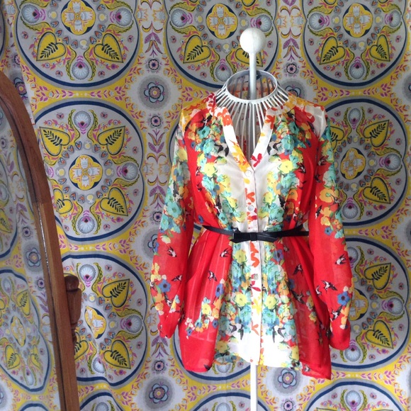 Fig And Flower Tops Stunning Floral Blouse Poshmark