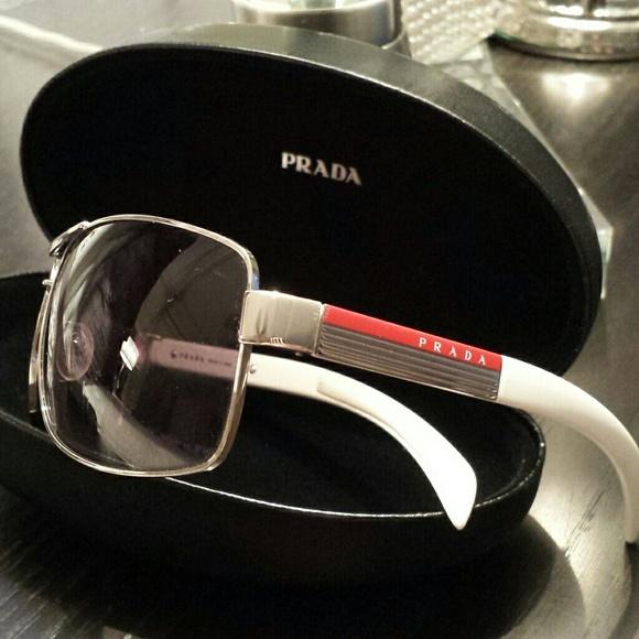 caf2649928ac 86% off Prada Accessories Sunglasses Sps 541