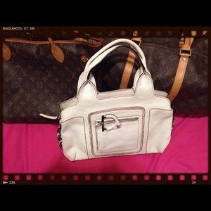 c945bce791 Salvatore Ferragamo Bags - Authentic Salvador Ferragamo hand bag😍