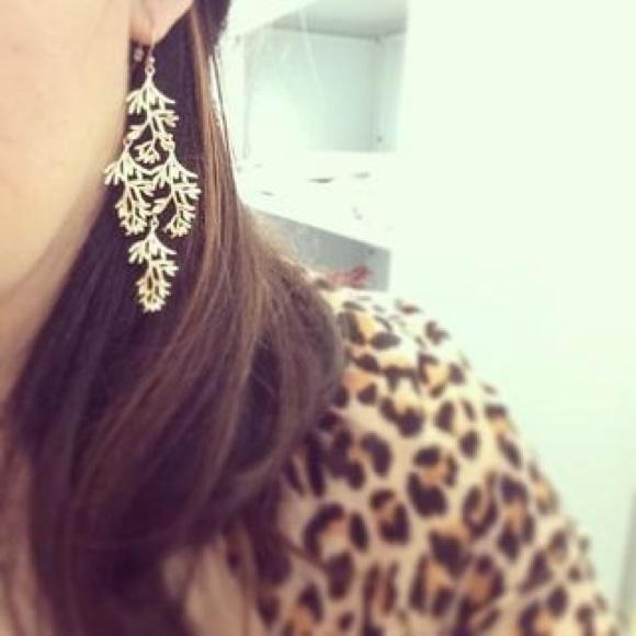 Stella Dot Grace Chandelier Earrings