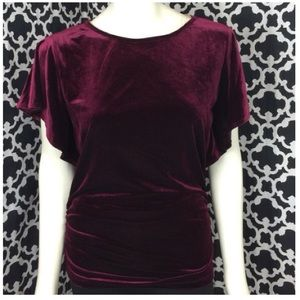 🆕LISTING Ruby Red Top