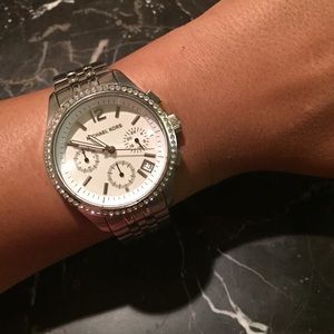 db76852df005 Michael Kors Accessories - Michael Kors silver watch. Model mk-5018.