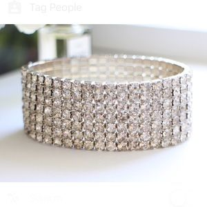 Sparkly rhinestone stretch bracelet
